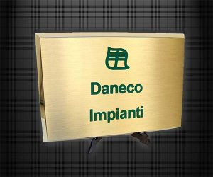 targa ottone scatolata daneco